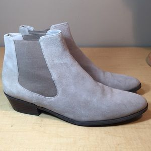 Like new 14th & Union taupe leather ankle boots